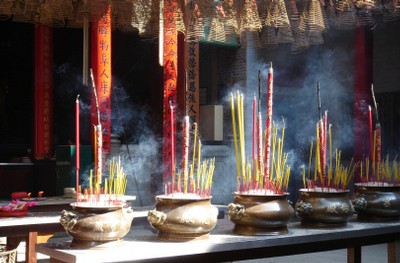 buddhist temple incense